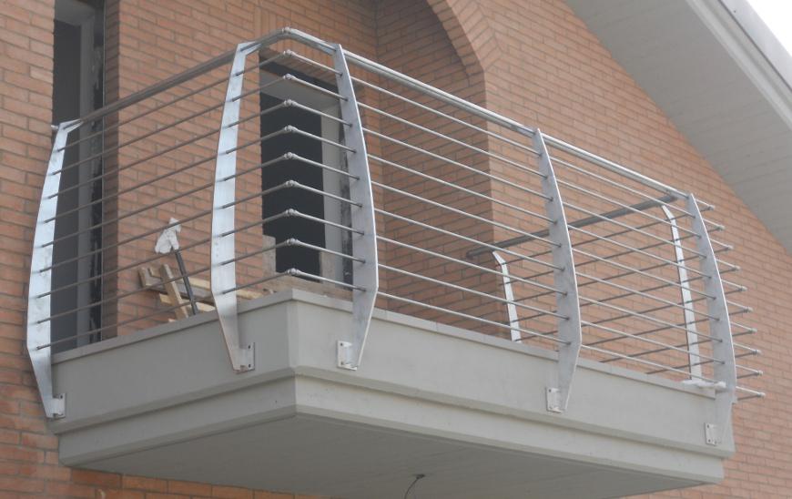 Ringhiere per balconi e scale in ferro e acciaio inox - Ringhiere in ferro battuto per balconi esterni ...